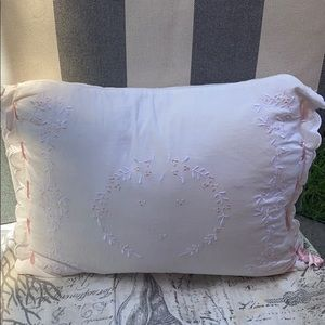 SIMPLY SHABBY CHIC WHITE EMBROIDERED COTTON PILLOW